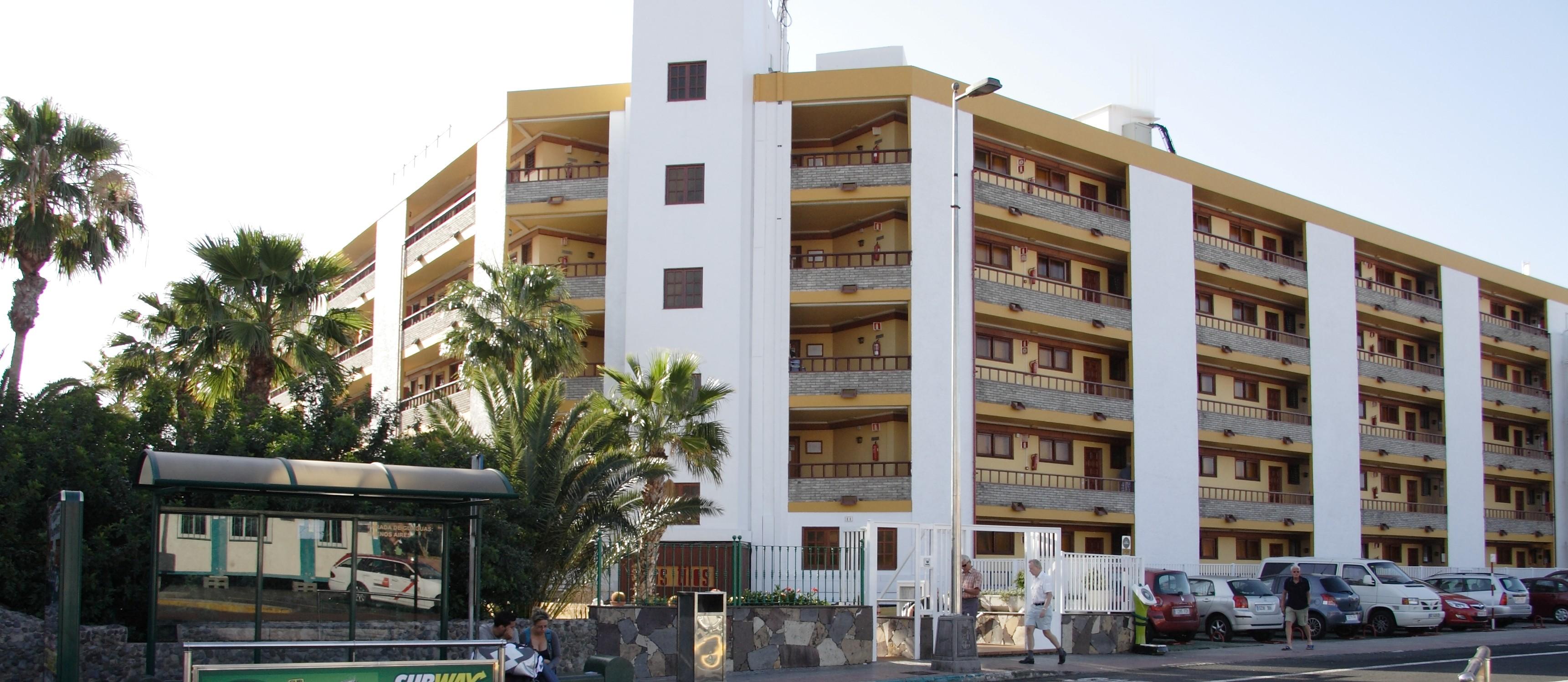 002_Apartamentos_Los_Tilos_-_Marzo_2011.JPG