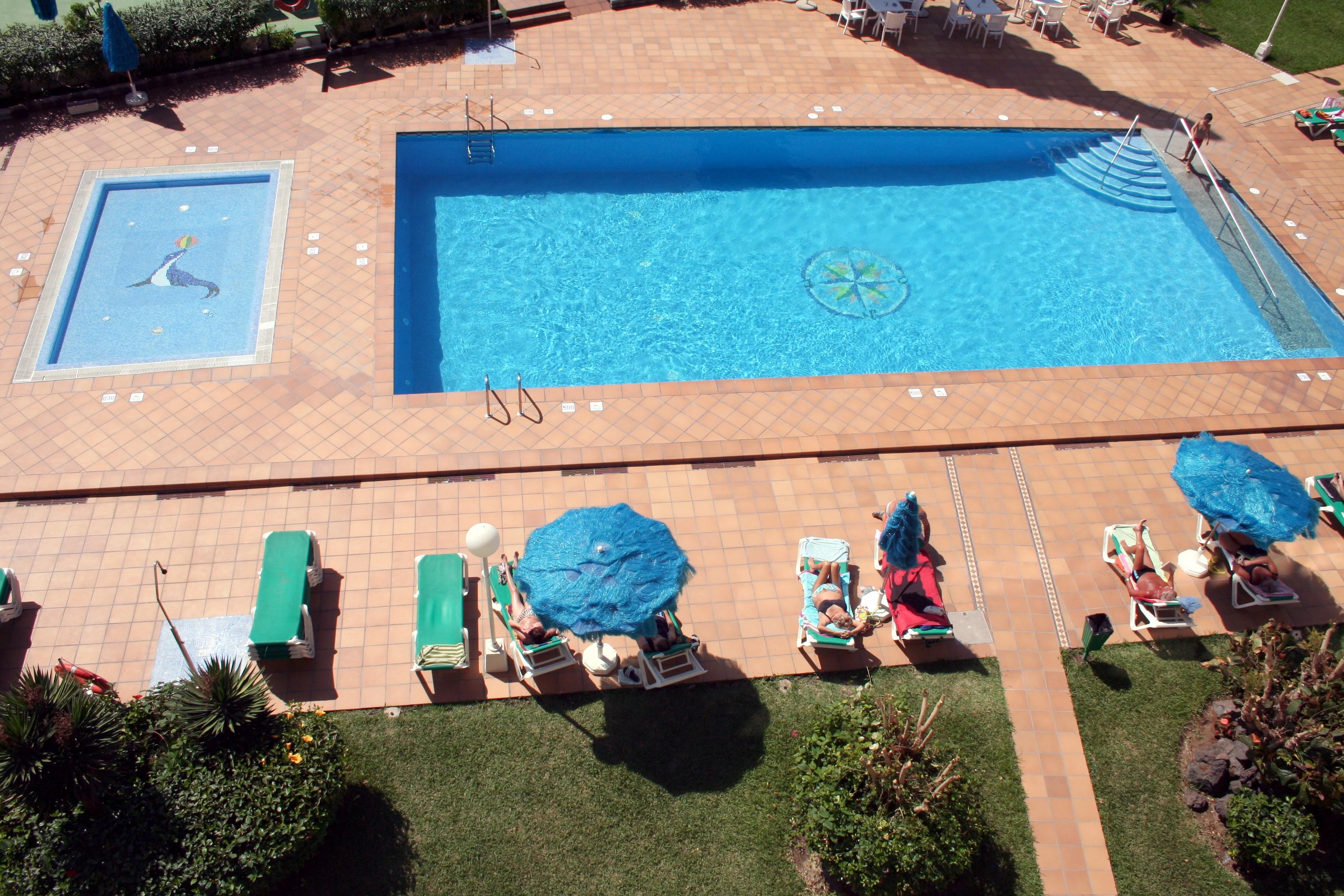 105_Apartamentos_Los_Tilos_-_Marzo_2011.jpg