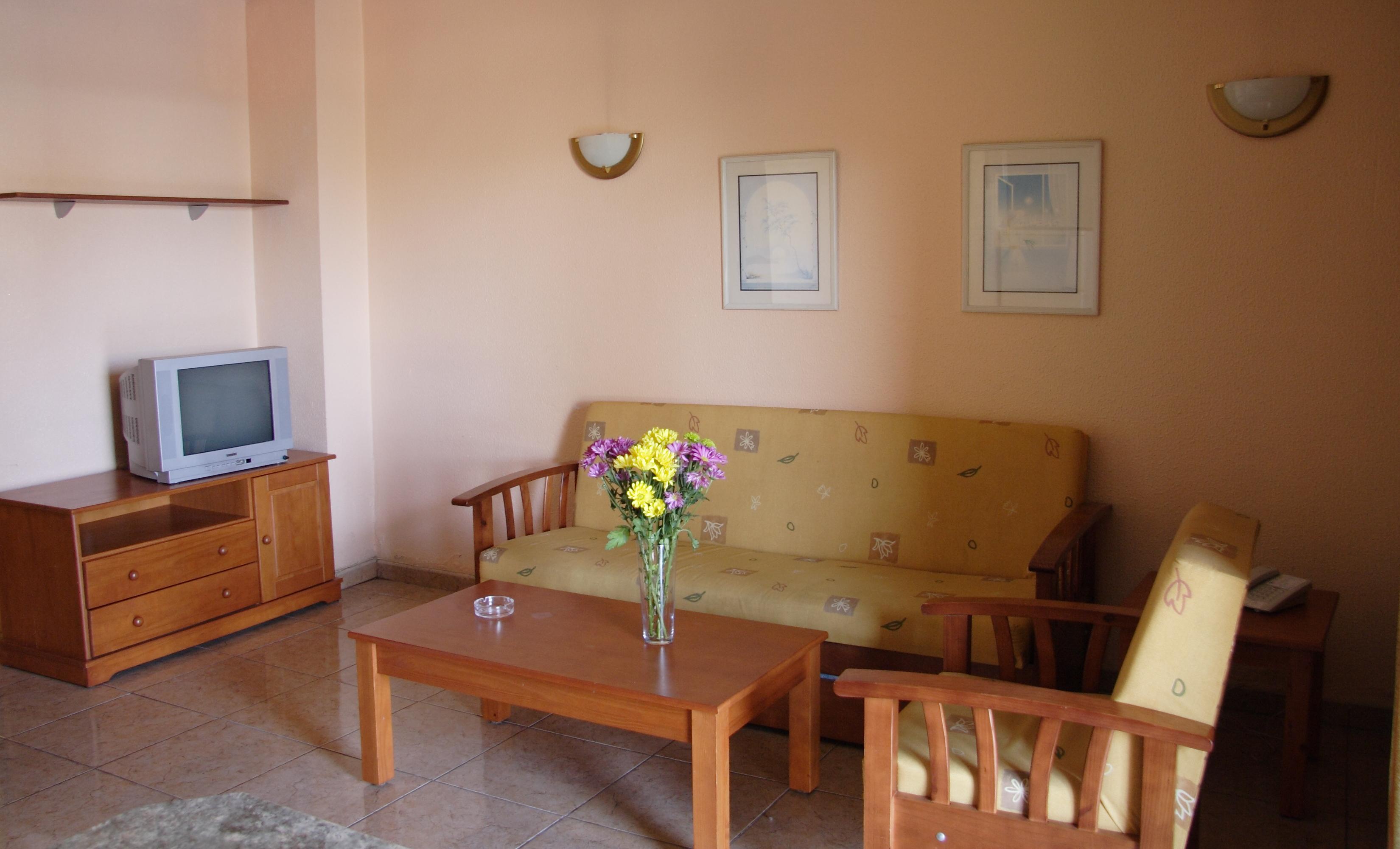 135_Apartamentos_Los_Tilos_-_Marzo_2011.JPG